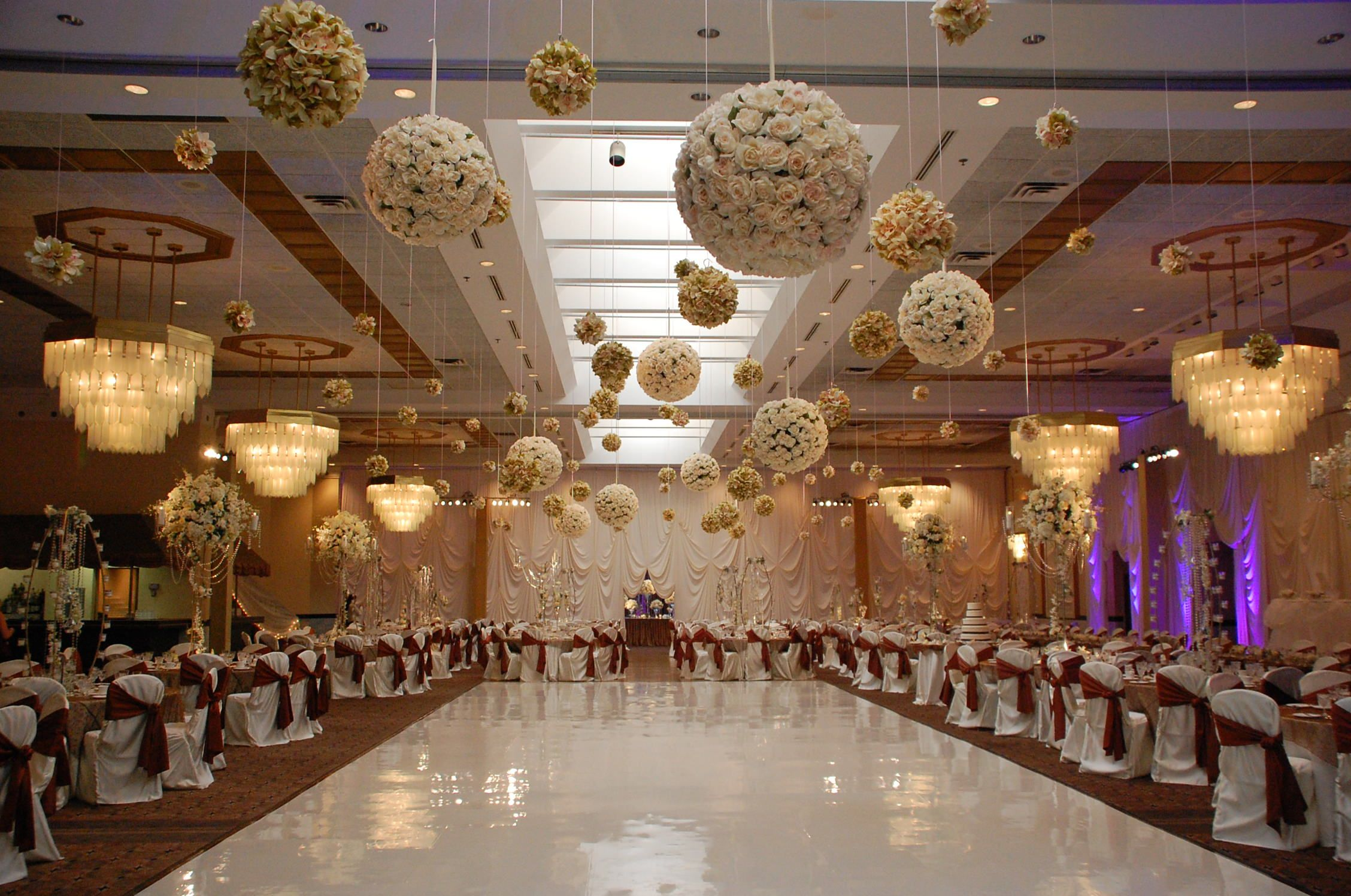 12 Best Hanging #Decoration Ideas For #Wedding!