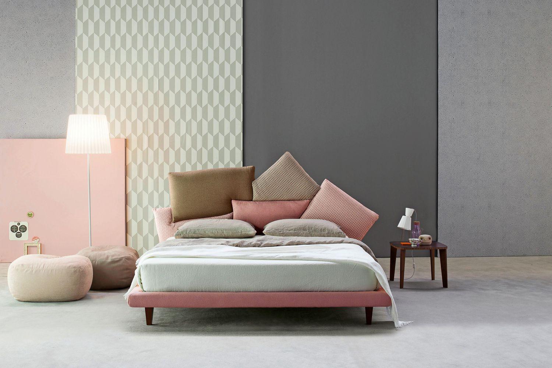 Letti matrimoniali moderni foto 1 livingcorriere in 2019 for Letti moderni design