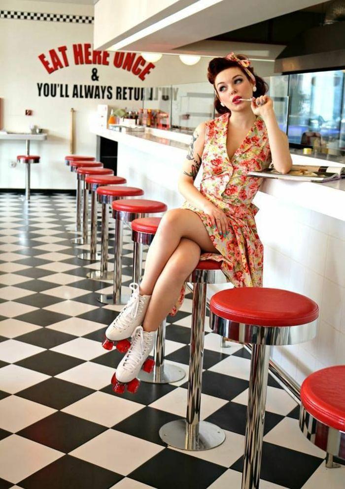 Magnifique robe pin up année 50 idée quelle robe rockabilly rollers