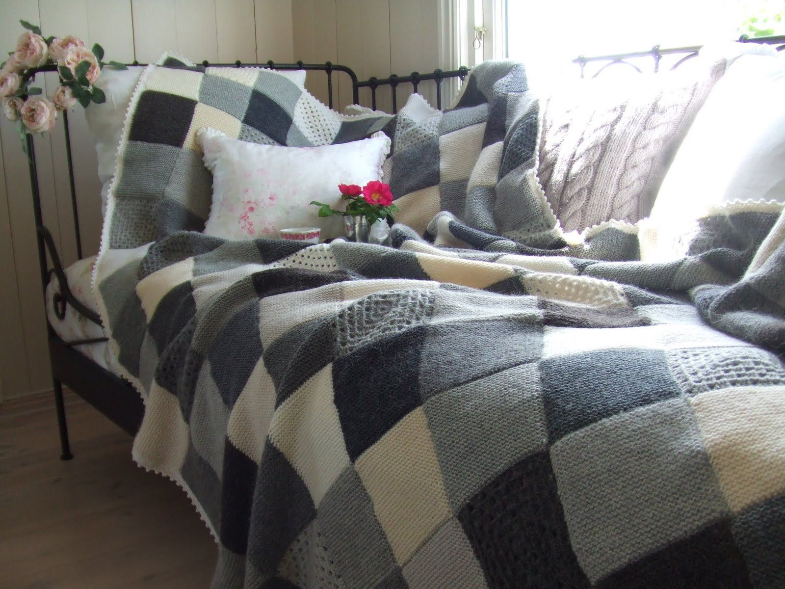 Mias Landliv: The grey blanket  Mias Landliv: The grey blanket  #blanket #Grey #Landliv #Mias