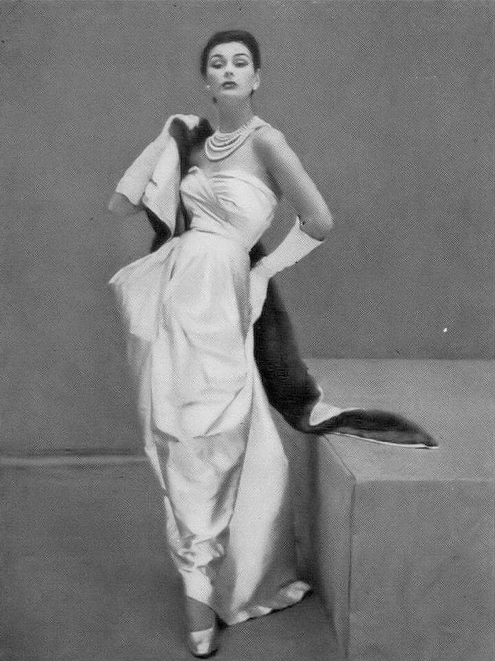Anne Gunning, photo by Henry Clarke, Vogue October 1951 | flickr skorver1