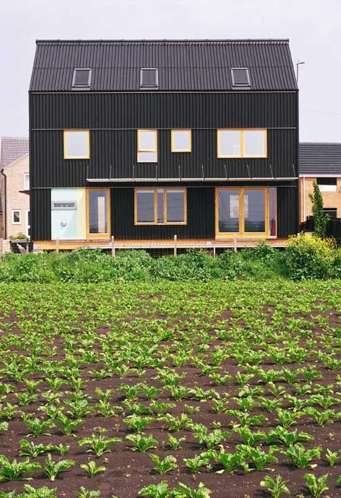 Located In Cambridgeshire England This Black House From Mole Architecture Was The Winner Of 2004 Riba Manser Medal I Love Its Vernacu