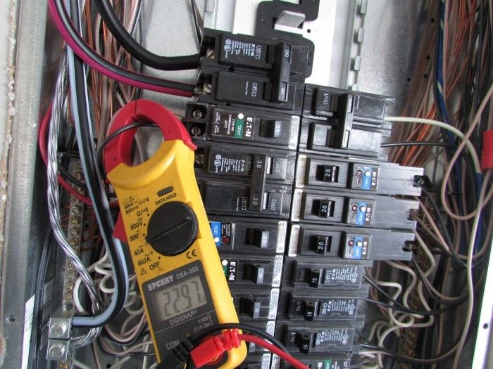 Using An Infrared Camera To Find An Overloaded Circuit Structure Tech Home Inspections Solar Energy Projects Electric House Electric Hvac