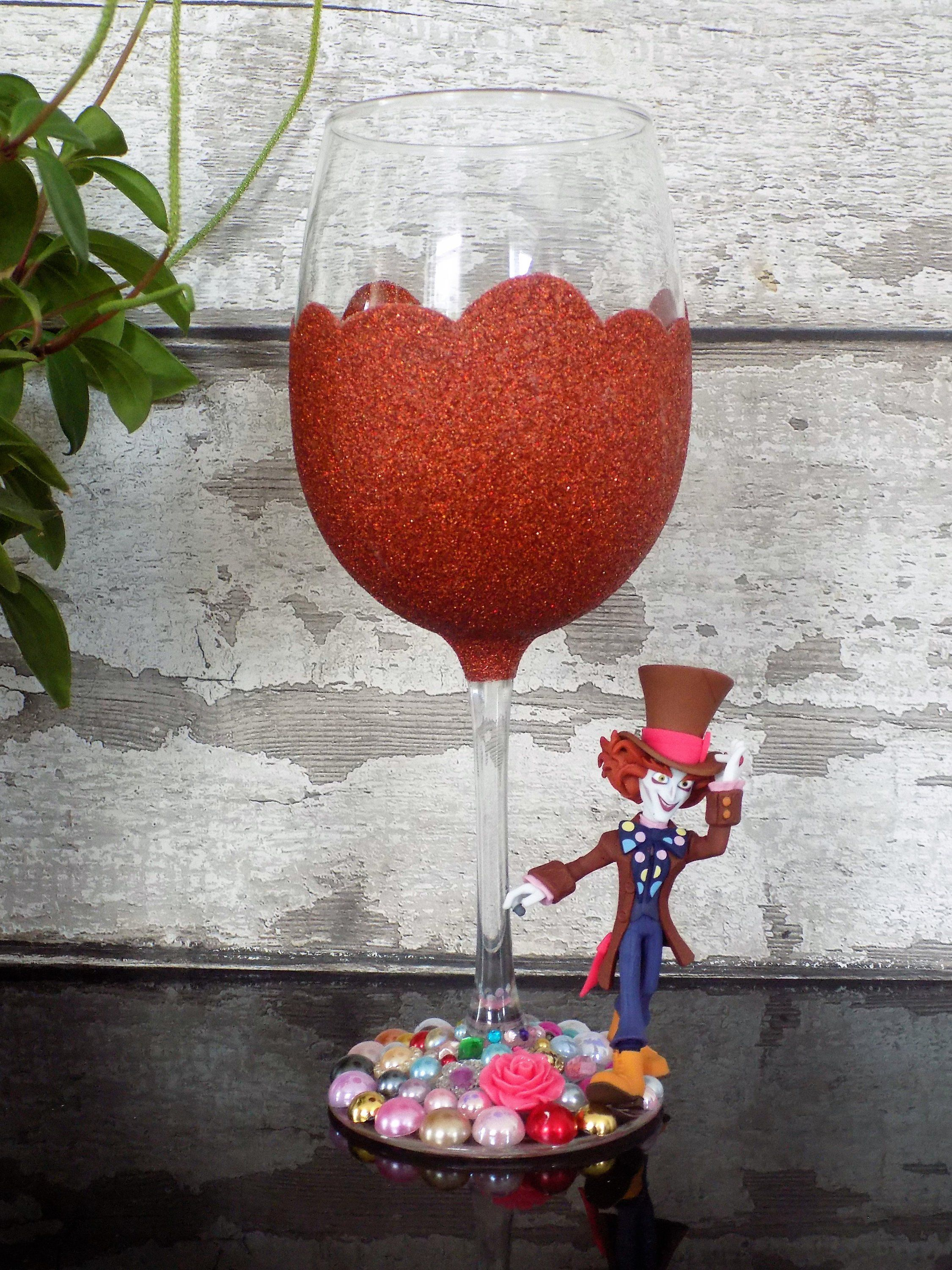 Mad Hatter Wine Glass Disney Birthday Gift Etsy Wine Glass Crafts Wine Craft Glitter Wine Glass