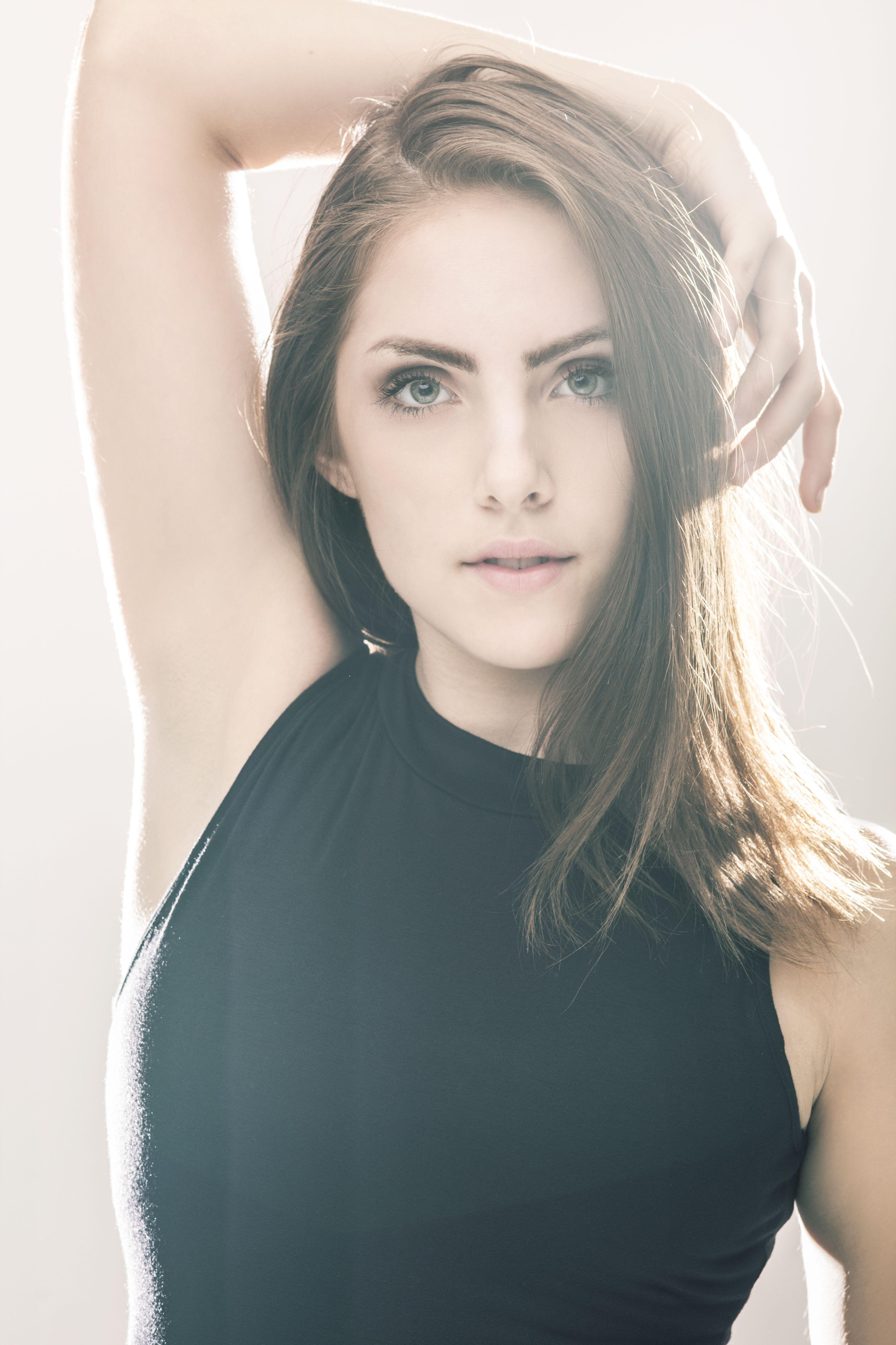 Model: Agnes Weyers Photographer: Megan Torbenson #photography #lighting