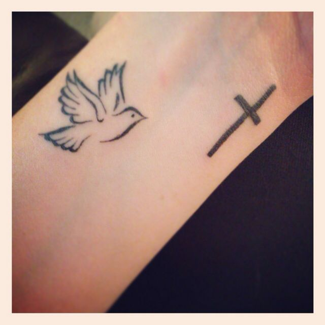dove flying towards the cross tattoos pinterest tattoo tatting and piercings. Black Bedroom Furniture Sets. Home Design Ideas