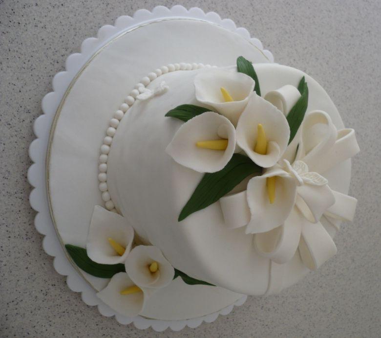 Liez Cakes And Etc Hantaran Cake Lily Cake Calla Lily Cake Calla Lily Wedding Cake