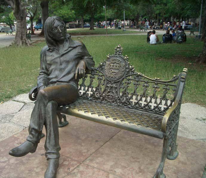 Parque John Lennon à La Havane (Crédit image : Grantdavey.com); Histoire à suivre sur ma page Facebook Hélène Py écrivaine...