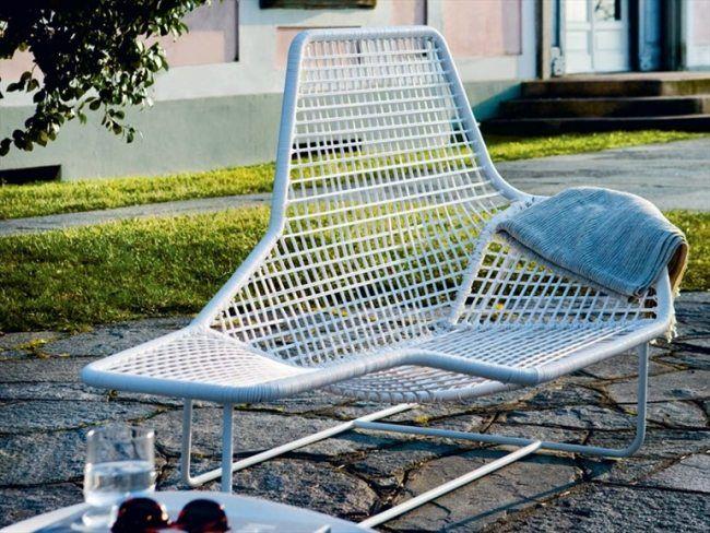 Zanotta Lama lounge bett modell weiß asymmetrisches design stahl
