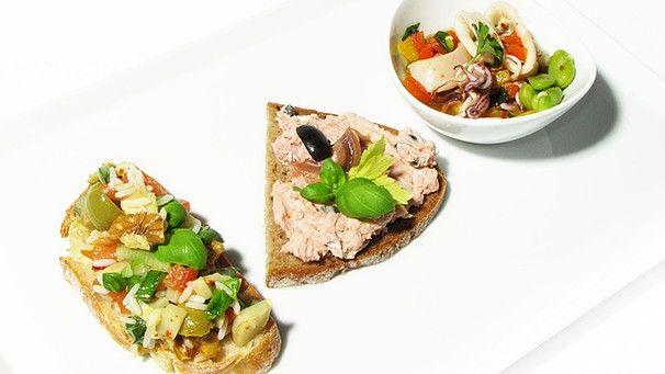 Brotzeit mit Fleischpflanzerln, Eier- und Wurstsalat | Landküche ...