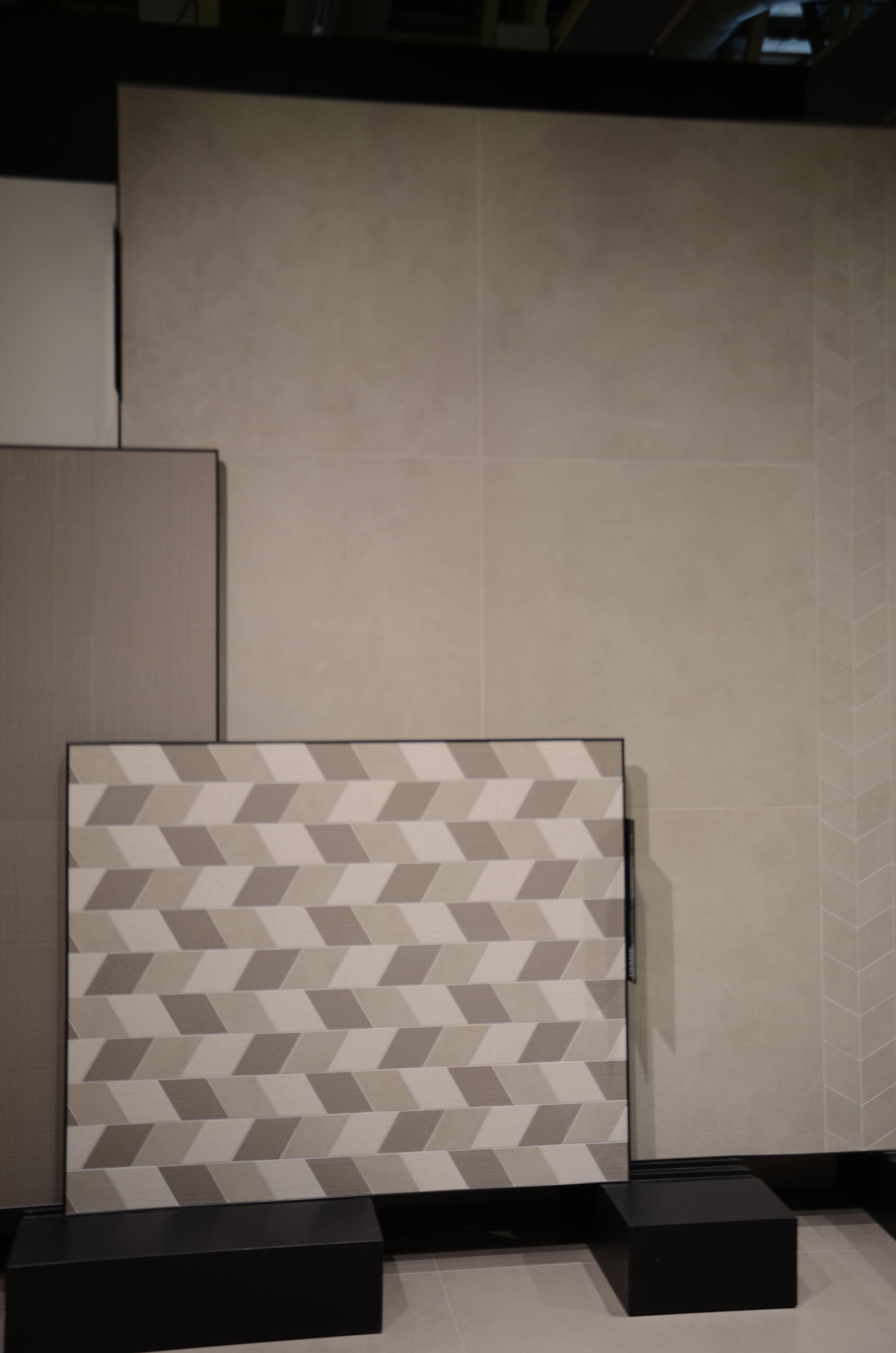 Wandfliesen gestalten bilder sanfte töne und unterschiedliche formate passend zu einem eleganten