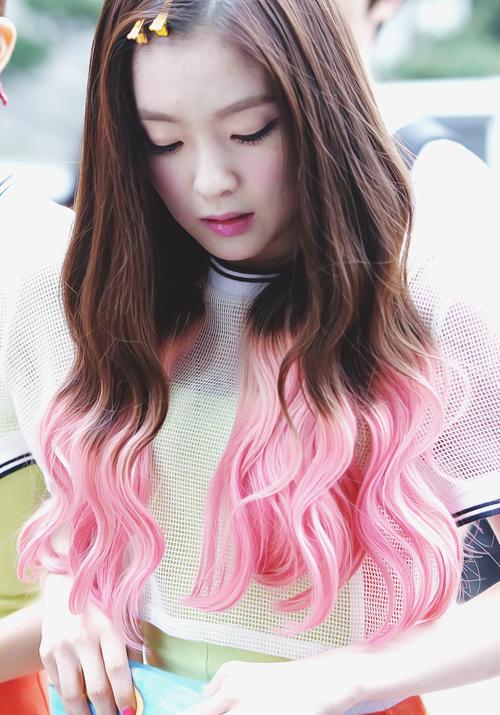 Korea Korean Kpop Idol Girl Group Band Red Velvet Irene S Two Tone Hair Happiness Pink Hair Color Hairstyles Girl Hair Colors Korean Hair Color Kpop Hair Color