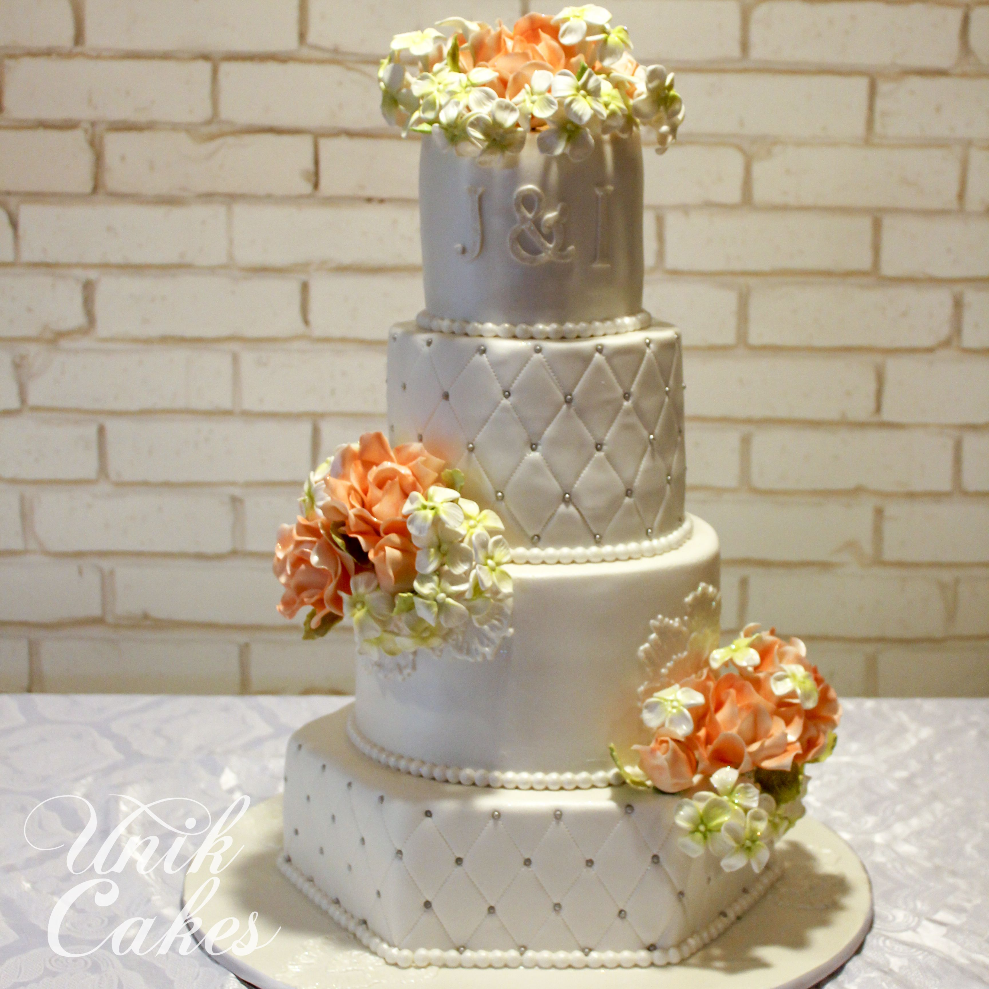 wedding cakes for young couples this wedding cake was for a beautiful that 24398