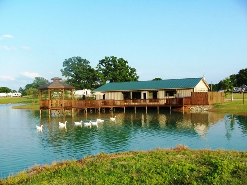 Texan Rv Park Athens Texas Places To Go Rv Parks House Styles