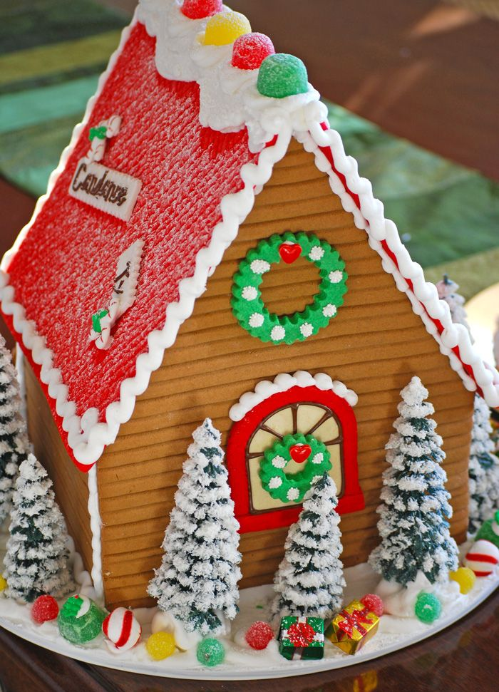 The backside of our personalized Large Gingerbread House...