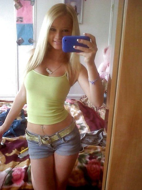 She's adorable Gorgeous Teen, Beautiful Women, Teenage Dream, Amazing Body,  Hot Selfies