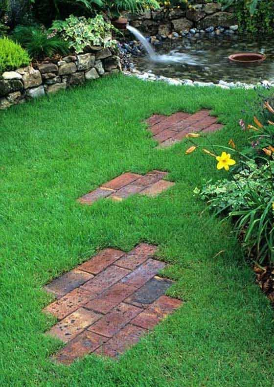 Lay a Stepping Stones and Path Combo to Update Your Landscape #steppingstonespathway