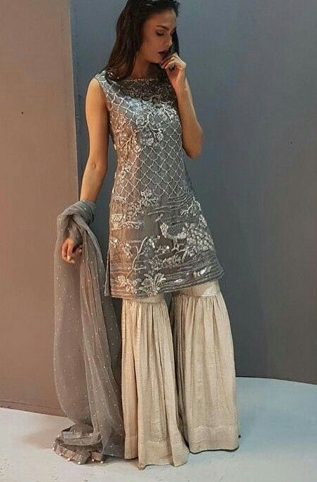 242204cd90 Beautiful, just needs sleeves. Love the style of the pants | likes ...