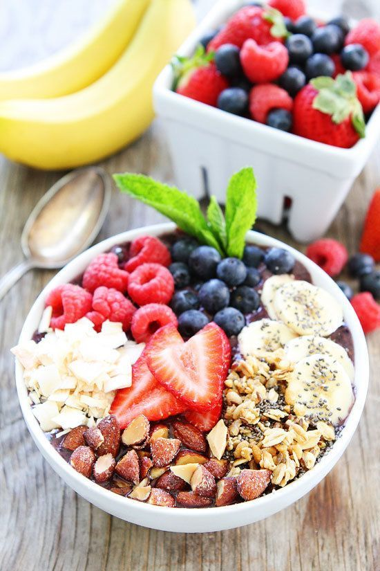 To Make The Breakfast Bowls You've Seen All Over Instagram Get the Berry Banana Smoothie Bowl recipe from Two Peas and their PodGet the Berry Banana Smoothie Bowl recipe from Two Peas and their Pod