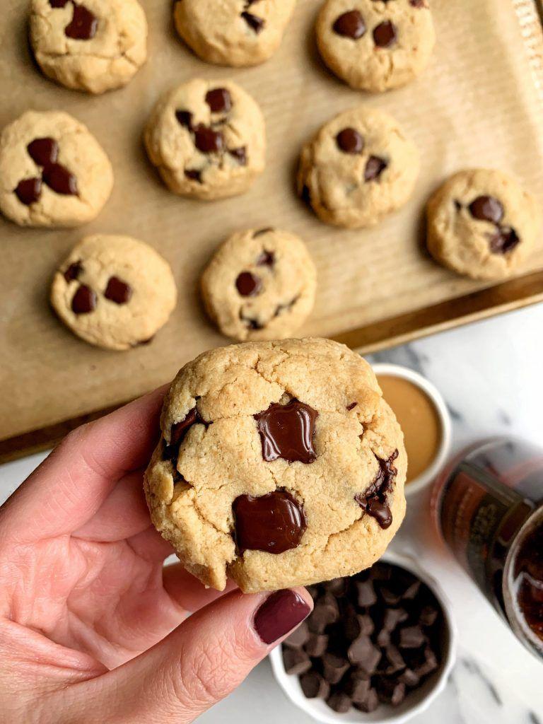Almond Flour Chocolate Chip Cookies (paleo + vegan) - rachLmansfield