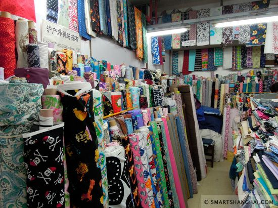 SmartShanghai.com | Fabric Market 101: Dresses and Womenswear