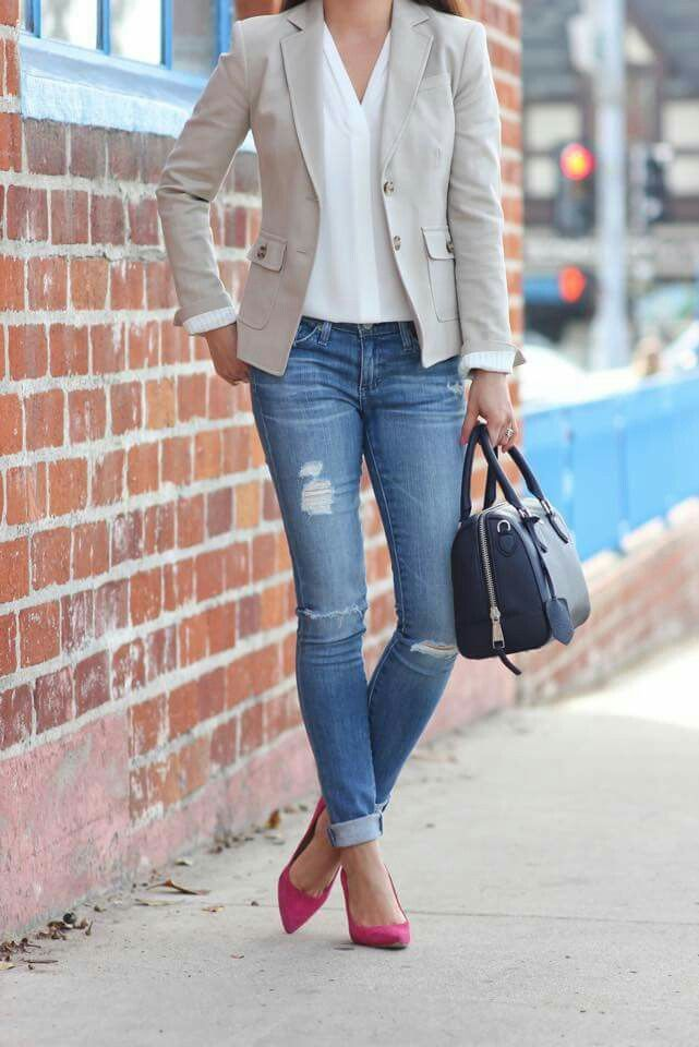 13192e6c5d A casual look for work a simple pair of rip jeans with a white work-shirt