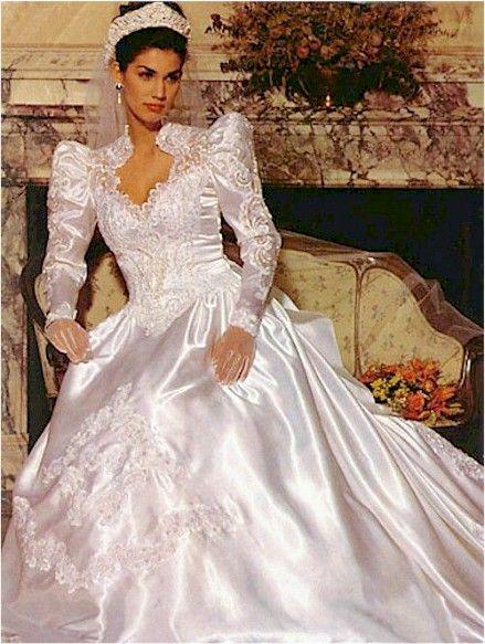 Pin von Heather Banks auf Beautiful Bridal Gowns | Pinterest