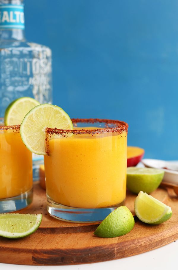 SIMPLE Mango Chili Lime Margaritas! Perfectly tart, sweet and spicy! #vegan #minimalistbaker