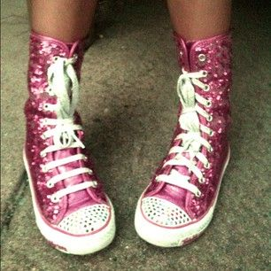 Glitter Rules the World #glitter #shoes #hightop #sneaker #pink #feet #perspective