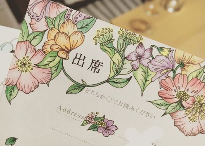 華やかで可愛い、お花を描いた返信ハガキアートのアイデア