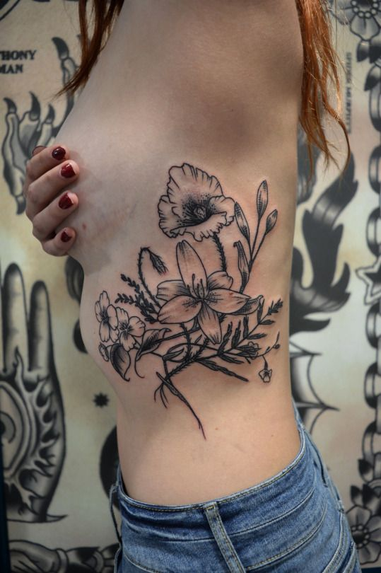 Tatouage Par Sophie Hedon Facebook Fleur Intestinale Fleurs