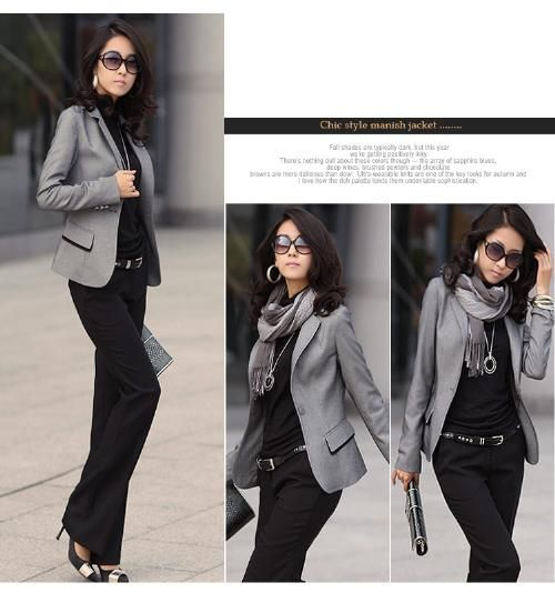 Grey blazer, grey scarf, black top and pants. Very sophisticated. Minimalist but fancy at the same time.