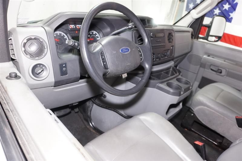 2013 Ford ESeries Cargo E250 Commercial Ford e series