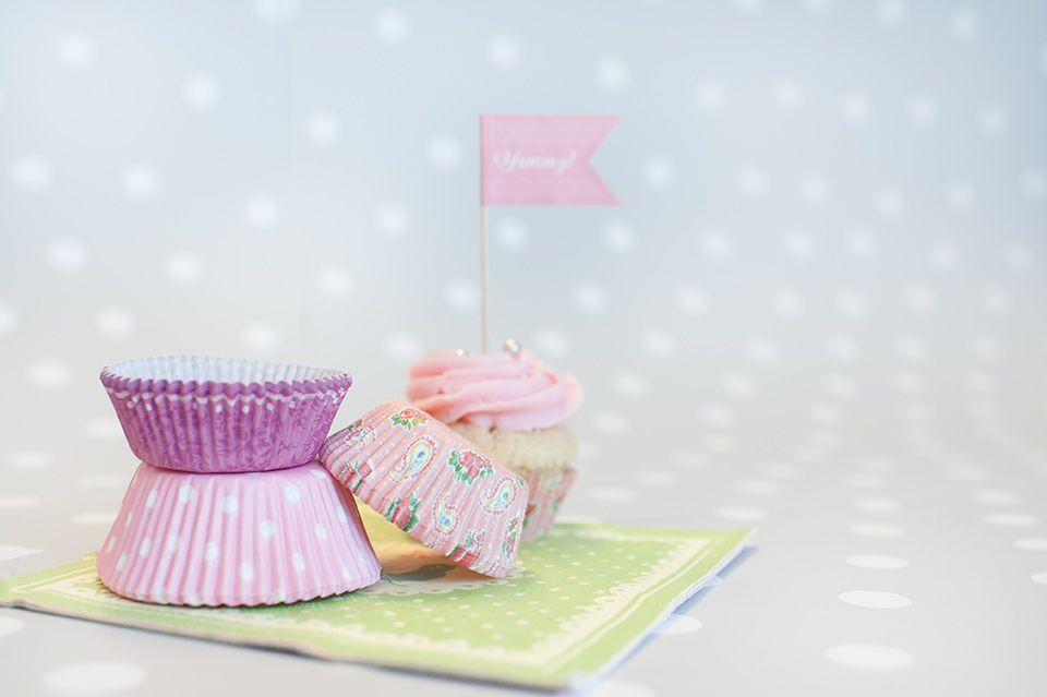 Decoración de fiestas. Kits para cupcakes de tonos rosados.