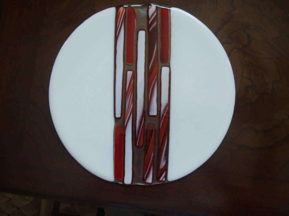 Red & White Fused Glass Plate, Art Deco Style Fused Glass Tray, Unique Glass Art, Hostess Gift by rosepetalsjewelry on Etsy