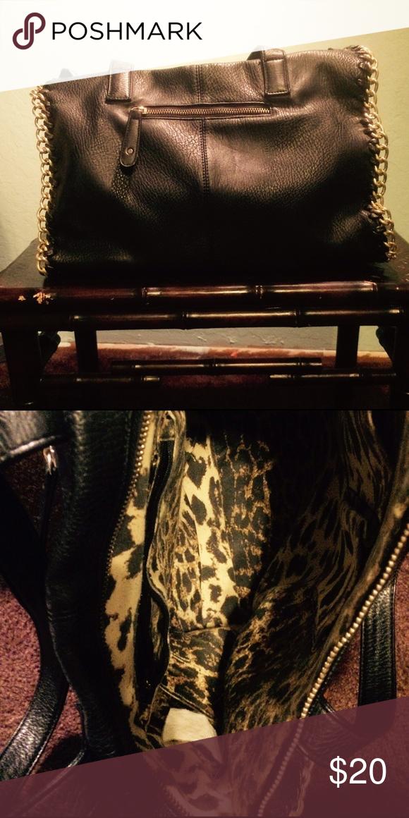 Street Level roomy purse Great size black purse, good shape, but top zipper broken. Bags Satchels