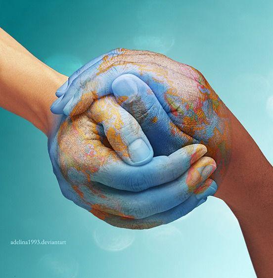 el tomarnos de las manos hace que el mundo gire