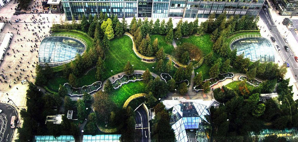 Jubilee Park In Canary Wharf Uk Jubilee Park Occupies Six Acres In The Canary Wharf Area Of London Constructed O Backyard Canopy Canopy Outdoor Patio Canopy