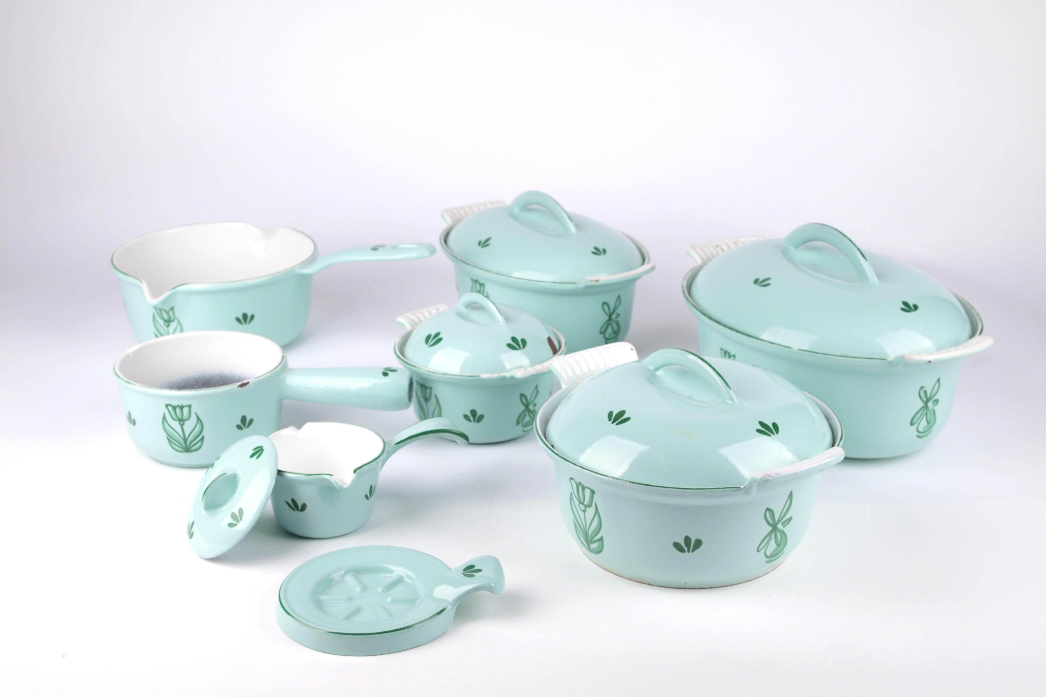 Vintage Enameled Cast Iron Saucepan with Lid ~ Dru Ware Holland ~ Light Blue Tulip Pattern ~ MCM 1950s Kitchen ~ Vintage Enamelware