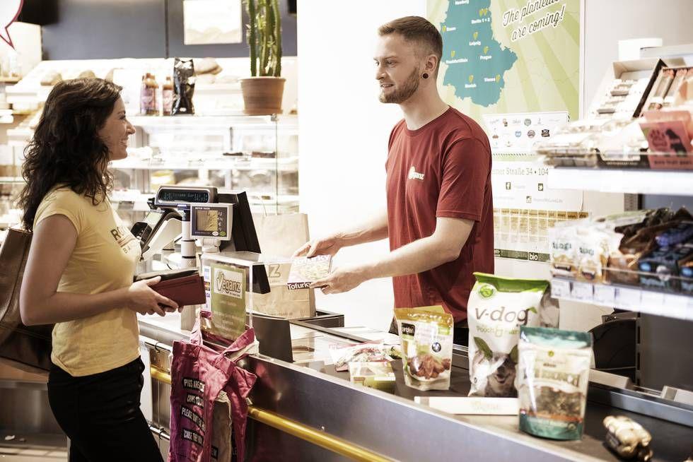 Aboliti gli spiccioli al negozio - Vivere in Germania - In questa piccola cittadina hanno deciso: aboliti gli spiccioli al negozio. Vivere e lavorare