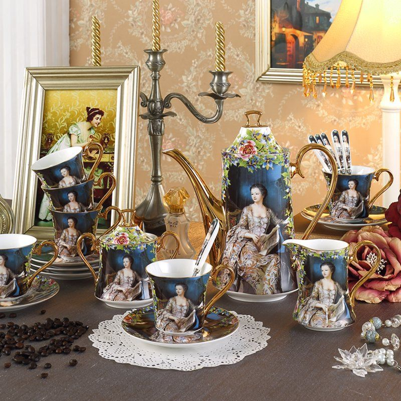 Beautiful vintage style tea set Source
