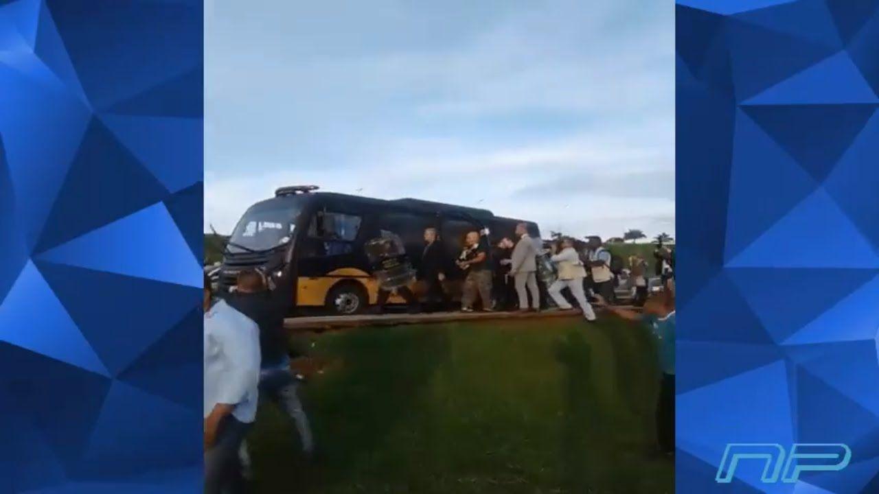 URGENTE! Momento da saída dos intervencionistas que foram detidos pela p...