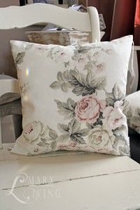 ♥ Cream with pink cushion