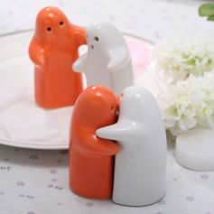 Praktiske Ting - $2.89 - Hvid & Appelsin Keramik Salt & Peber Shakers  http://da.dressfirst.com/Hvid-Appelsin-Keramik-Salt-Peber-Shakers-051024588-g24588