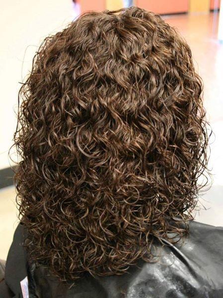 Dauerwelle Schulterlanges Haar