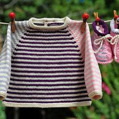 Layette ensemble  naissance/1 mois en laine mérinos brassière et chaussons  neuf tricoté main