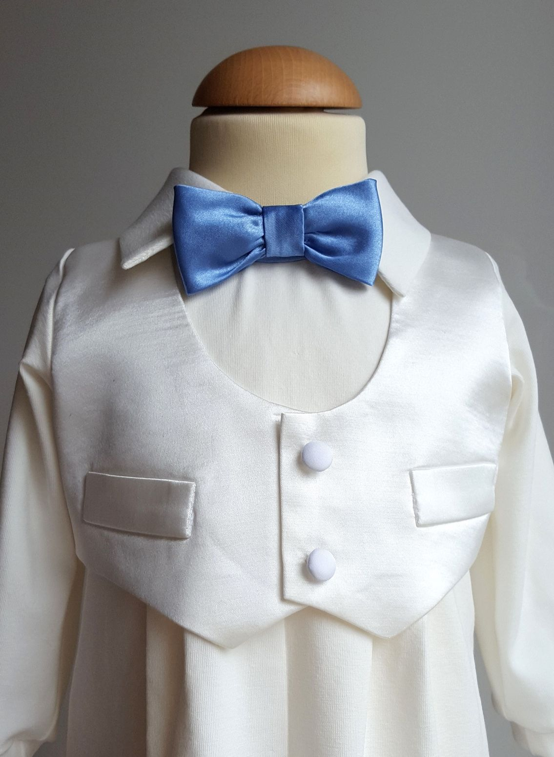 http://www.graceofsweden.com/en/special-occasion-outfits/baby-suits-for-special-occasions/baptism-suit