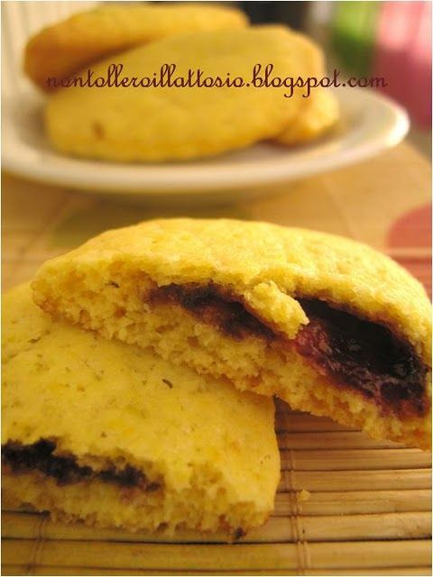 biscuits stuffed with bluberries jam!:D #biscuits #jam