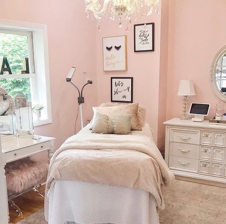 "Lash Room Decor on Instagram: ""Pink, white and gold -"