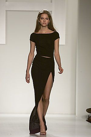 Halston Fall 2000 Ready-to-Wear Collection Slideshow on Style.com